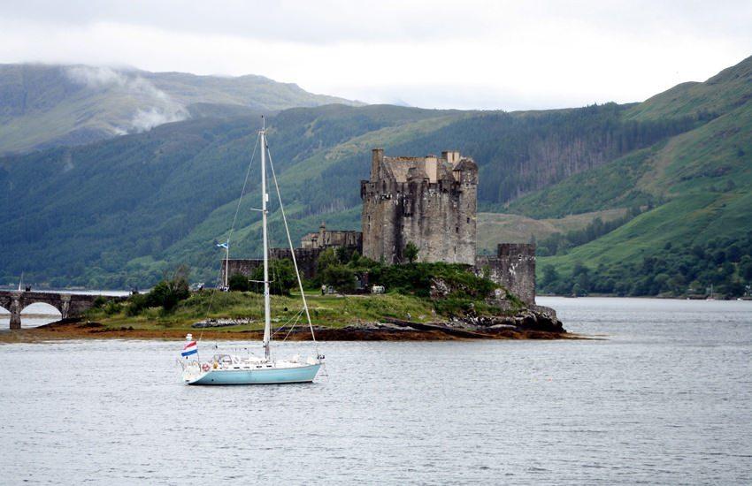 Zeilvakantie-Schotland-Eilean-Donan-Castle-1